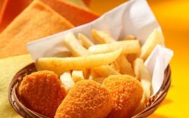 Chicken Nuggets Chips & Salad